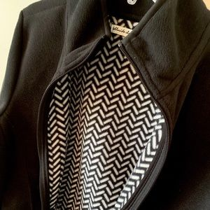 Jackets & Blazers - Black Fleece with interior herringbone pattern 🌿